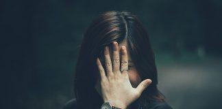 Bli-av-med-påsar-under-ögonen-artikelbild