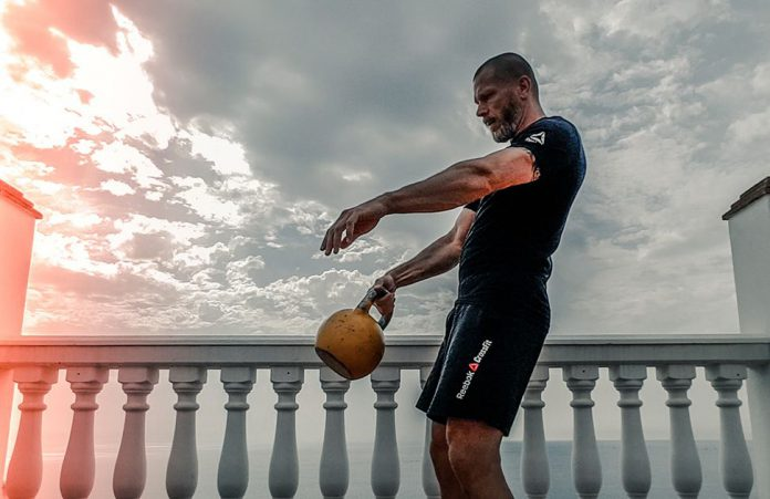 Man-tränar-tungt